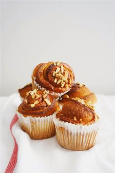 Swedish Cinnamon Buns - Cakelets and Doilies Swedish Recipes, Sweet Recipes, Brunch Recipes, Cake Recipes, Baking Cupcakes, Cupcake Cakes, Cake Cookies, Cookies Et Biscuits, Yummy Things To Bake
