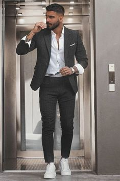 Suits And Sneakers, Sneakers Outfit Men, Blazer Outfits, Casual Outfits, Stylish Men, Men Casual, Latest Men Hairstyles, Leg Sleeves, Men's Fashion