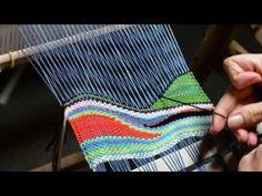 Tapestry Style Weaving on a Rigid Heddle Loom - Harika Ev İşleri Pin Weaving, Finger Weaving, Weaving Art, Weaving Patterns, Tapestry Weaving, Loom Weaving, Weaving Projects, Woven Wall Hanging, Weaving Techniques