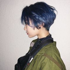 Short Bob x Navy Blue - Colorful Hair Medium Styles Short Grunge Hair, Short Hair Cuts, Short Hair Tomboy, Asian Short Hair, Girl Short Hair, Shot Hair Styles, Curly Hair Styles, Hair Inspo, Hair Inspiration