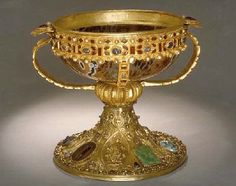 The Elizabeth Reliquary  -The base of the reliquary is an ancient agate bowl. It was originally a drinking vessel, used at Roman and Byzantine banquets. In the eleventh century the bowl was decorated with a wide border of gold, inset with gemstones dating to classic antiquity. Later the bowl became a holy cult object, a reliquary for Saint Elizabeth.