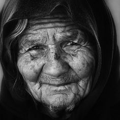 black and white photography faces. lack and white photography Black And White Portraits, Black And White Pictures, Black And White Photography, We Are The World, People Of The World, Old Faces, Face Wrinkles, Foto Art, Pictures Of People