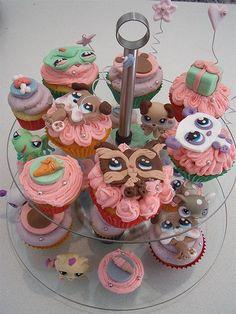 Littlest pet shop cupcakes Little Pet Shop, Little Live Pets, Lps Cakes, Cupcake Cakes, Cupcakes, 10th Birthday Parties, Baby Birthday, Birthday Ideas, Lps Pets