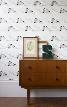 Beautiful bird design wallpaper for a grey or monochrome bedroom or living room. Grey bird wallpaper in modern design with monochrome birds adds an element of Scandinavian feel to any room. Elegant enough for bedrooms, living rooms and feature walls but also cute enough for nursery wallpaper. #greybedroom #greylivingroom #birdwallpaper #designerwallpaper #birdwallpaperbedroom #birdwallpaperbathroom Wildlife Wallpaper, Bird Wallpaper, Grey Wallpaper, Nursery Wallpaper, Wallpaper Ideas, Dining Room Wallpaper, Kitchen Wallpaper, Buffets, Willow Tit