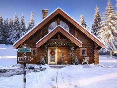 Only close friends of Santa and his elves are allowed in this North Pole home. Chock full of holiday magic, the winter oasis has a baker's oven with 12 cookie settings, a state-of-the-art toy making facility, sleigh-ready garage and Rudolph-ready reindeer stalls.