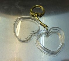 pet keepsake keychain your pets fur in a love heart gold chain UK Supplier