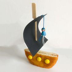 Traktatie piraten Piratenboot Piratentraktatie Eierkoeken Traktatie jongen, #Eierkoeken #jongen #KinderPartySuperheld #Piraten #Piratenboot #Piratentraktatie #Traktatie Birthday Treats, Birthday Parties, Happy Birthday, Pirate Birthday, Pirate Party, Cake Cookies, Finger Foods, Food Art, Cool Kids