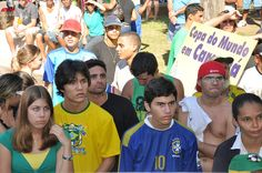 Brasil com 200 milhões a seu favor perdeu o rumo por causa de 11 08:11 Saulo Valley A Seleção Brasileira será criticada pelos próximos 200 milhões de anos. Tudo porque nem 200 milhões de torcedores conseguiram fazer o time ter coragem e raça para enfrentar 11 adversários.  Quem quer saber quando será a próxima Copa do Mundo no Brasil? CONTINUE LENDO: http://saulovalley.blogspot.com.br/2014/07/brasil-com-200-milhoes-seu-favor-perdeu.html#.U8Jq7PldWSq