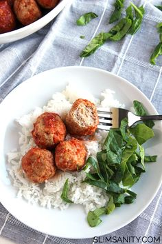 Tangy Crockpot Turkey Meatballs - whip up this delicious healthy appetizer or dinner in just two hours! | slimsanity.com