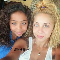 These fraternal twins look sooo much alike even with different coloring.