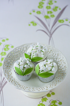 Lilly of the valley cupcakes