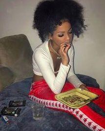 Girl Smoking, Smoking Weed, High Society, Kool Savas, Fille Gangsta, Thug Girl, Gangster Girl, Stoner Girl, Bffs
