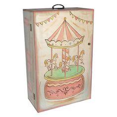 Χειροποίητη ξύλινη ντουλάπα ζωγραφισμένη στο χέρι σε φυσικές αποχρώσεις του ξύλου και σάπιου μήλου με θέμα Carousel. Αυτό το κουτί με τη ρομαντική και παιχνιδιάρικη διάθεση αποτελεί την καλύτερη επιλογή για μια κοριτσίστικη βάπτιση με vintage ύφος και θα παραμείνει ένα στολίδι στη διακόσμηση του δωματίου της μικρής αργότερα ως κουτί αποθήκευσης. Διαστάσεις: 37x20x58cm
