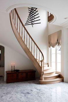 Antique , modern : staircase / Vlassak Verhulst