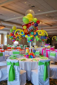 cda72c40d153385a8d537696db55440a.jpg 736×1,100 pixels Candy Centerpieces, Bat Mitzvah Centerpieces, Wedding Centerpieces, Willy Wonka, Candy Themed Party, Candy Land Theme, Party Themes, Event Decor, Birthday Party Tables