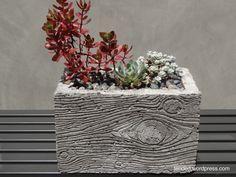 betoniruukku, puukuvioitu