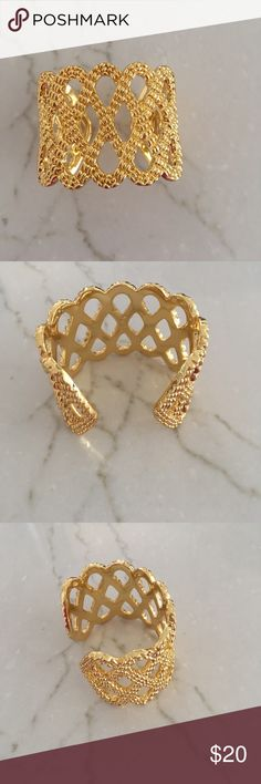 Lilly Pulitzer Gold Cuff bracelet Lilly Pulitzer Gold Cuff Bracelet; excellent condition Lilly Pulitzer Jewelry Bracelets
