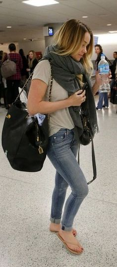 airport style- when your in an airport it's best to stick to basics. Lauren conrad does an amazing job with he style; again!