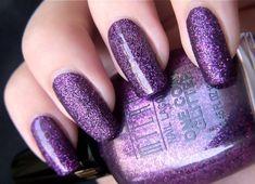 18 Purple Nail Art Designs That Look Sophisticated yet Fun 18 lila Nail Art Designs – Lila Glitzer macht alles schön. Purple Manicure, Purple Glitter Nails, Purple Acrylic Nails, Purple Nail Art, Purple Nail Designs, Gel Nail Designs, Acrylic Nail Art, Nails Design, Nail Swag
