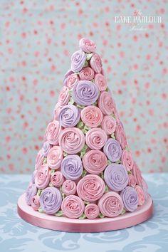 this wedding cake is so unique