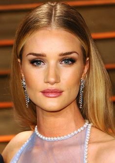 Get Rosie Huntington-Whiteley's Makeup Look at 2014 Vanity Fair Oscar Party - Makeup For Life
