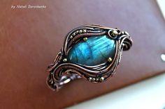 Bracelet Sky  copper bracelet with a labradorite by DorasAccessory