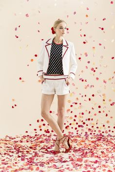 Alice + Olivia Resort 2014 #16 They really know how to decorate the background <3