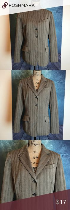 ANNE KLEIN Gray Striped Career Blazer Size 10 MEASUREMENTS∴ in inch  Pit to Pit>20 Shoulder to Shoulder>16 Length---->28  Measurements Are Approximate  And May Vary Slightly.  #4 Anne Klein Jackets & Coats Blazers