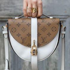 74825874673c Louis Vuitton Chantilly Lock Bag | Luxe in 2019 | Pinterest | Bags, Louis  vuitton and Vuitton bag