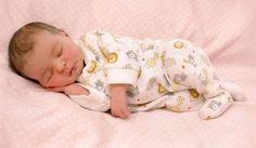 Cómo Vestir al Recién Nacido en el Verano - Para más información ingrese a: http://semanasdegestacion.com/como-vestir-al-recien-nacido-en-el-verano/