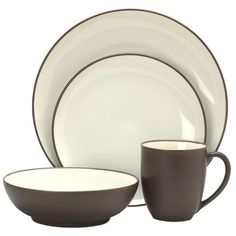 Noritake Chocolate Colorwave Chocolate 4-Piece Place Setting ($40) ❤ liked on Polyvore featuring home, kitchen & dining, dinnerware, chocolate, set of 4 dinner plates, noritake dinnerware, square dinnerware, square dinner plates and chocolate dinnerware