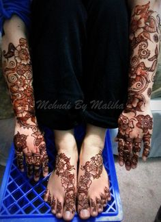 heavy arabic bridal mehndi on the arms and feet