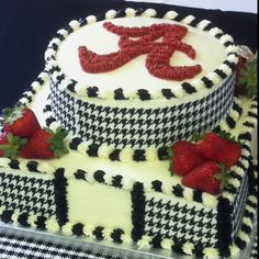 Alabama grooms cake, Chris is going to have a cake similar to this! Alabama Grooms Cake, Alabama Cakes, Pretty Cakes, Beautiful Cakes, Amazing Cakes, Cupcake Cookies, Cupcakes, Alabama Crimson Tide, Creative Cakes