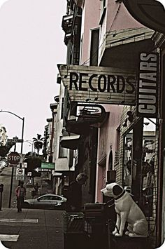 Vintage Music Shops open the world of the past and inspire to create.