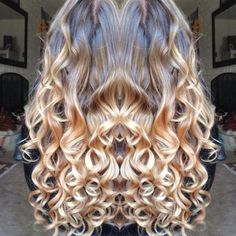 @KeratinComplex #itsablondething lightener and their #5in1 #wand for the #curls finished off with #flexflow pic.twitter.com/Ep2oRu7N3A