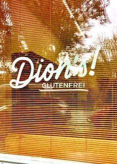 Dions! glutenfrei - der neue 100% glutenfreie Shop in Wien! Dion der Besitzer ist heute im Interview bei mir und erzählt mir über seine Diagnose Zöliakie, seine Zöliakie Symptome und seine glutenfreien Produkte! Interview, Neon Signs, Gluten Free Foods