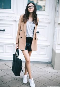 STYLECASTER | How to Wear Shorts During Fall & Winter | Fall Outfit Ideas | Image: The Fashion Cuisine