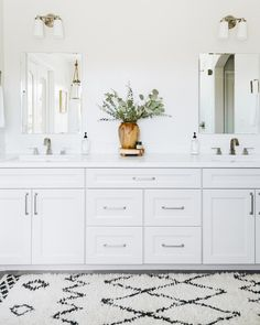 55 modern farmhouse master bathroom renovation ideas the process & reveal 21 Bathroom Renovations, Home Renovation, Interior Exterior, Interior Design, Bathroom Inspiration, Bathroom Ideas, Interior Inspiration, Style Inspiration, Up House