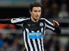 Rafael Benitez: 'It will take fantastic offer to sign Daryl Janmaat'