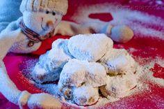 Κουραμπιέδες (Παραδοσιακοί με μοντέρνα εμφάνιση) Greek Recipes, Dessert Recipes, Desserts, Ice Cream, Favorite Recipes, Cookies, Cake, Food, Tailgate Desserts