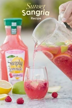 Taste the sunset with our deliciously refreshing Simply Sunset Sangria. Mix yourself a pitcher of this easy recipe using Simply Lemonade with Raspberry.