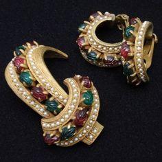 Hattie Carnegie Set Vintage Brooch Pin & Earrings