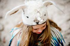 Felt work/hat/fantasy Viltwerk Lieneke Holtermans foto: Ilona Hartensveld