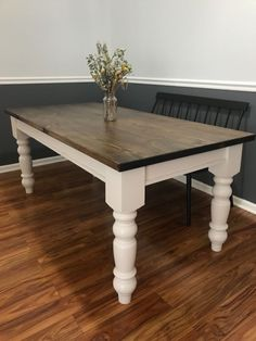 32 Beautiful Farmhouse Kitchen Table Design Ideas And Makeover. If you are looking for Farmhouse Kitchen Table Design Ideas And Makeover, You come to the right place. Below are the Farmhouse Kitchen . Dining Table Makeover, Dining Table Design, Dinning Table, Table And Chairs, Diy Table Legs, Dining Chairs, Build A Farmhouse Table, Farmhouse Style Table, Farmhouse Kitchen Tables