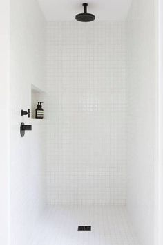 minimalist bathroom white shower w/ORB and shampoo niche Bathroom Renos, Laundry In Bathroom, Small Bathroom, Bathroom Black, Bathroom Fixtures, Bathroom Images, Bathroom Ideas, Bathroom Designs, White Mosaic Bathroom