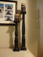 Another example of diy candlesticks.Make bulky candlesticsk! Rosettes Pine table leg Wood glue Size steel nails Hammer Spray paint, 1 can should do the trick Crafts For Teens To Make, Diy And Crafts, Wood Crafts, Tall Candle Holders, Candlestick Holders, Diy Candlesticks, Candleholders, Wooden Diy, Diy Wood