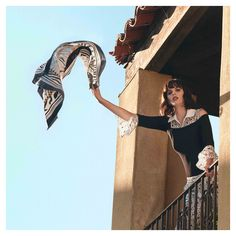 Complete your outfit with the VEOLIE, a versatile blouse that can be worn with or without detachable lace details. Shop Anne Fontaine's collection of designer tops. Cruise Collection, Lace Cuffs, Classic Elegance, Classic Looks, Elegant Dresses, Looking For Women, Silhouettes, Work Wear, Natural Beauty