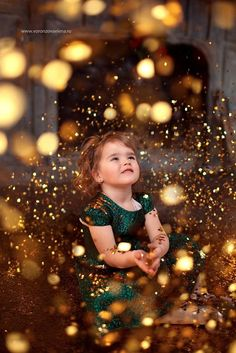 christmas photography 35 ideas photography ideas christmas family kids for 2019 Xmas Photos, Christmas Portraits, Family Christmas Pictures, Christmas Photoshoot Ideas, Family Portraits, Creative Photography, Children Photography, Photography Poses, Christmas Photography Kids