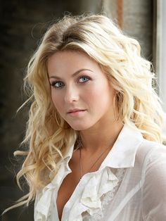 Is Julianne Hough LDS? Is Julianne Hough a Mormon? Find out about Julianne Hough and other famous Mormons and Mormon myths and legends at Holy Fetch Beautiful Celebrities, Beautiful Actresses, Beautiful Eyes, Most Beautiful Women, Beautiful Women Blonde, Hello Beautiful, Beautiful Pictures, Blonde Beauty, Hair Beauty