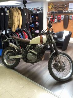 DR650 SCRAMBLER REUILLY MOTO Honda Motorcycles, Custom Motorcycles, Moto Scrambler, Retro Bike, Balance Bike, Suzuki Gsx, Classic Bikes, Go Kart, Cool Bikes